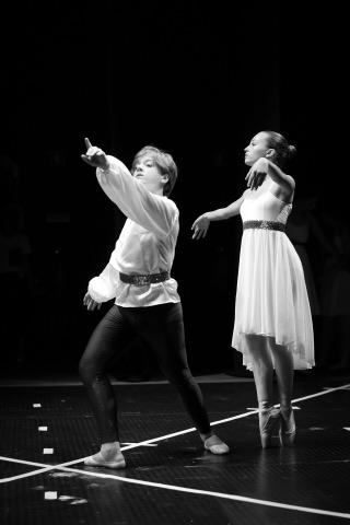 """Escola de Dança HCM apresentou """"Arte em Movimento"""""""