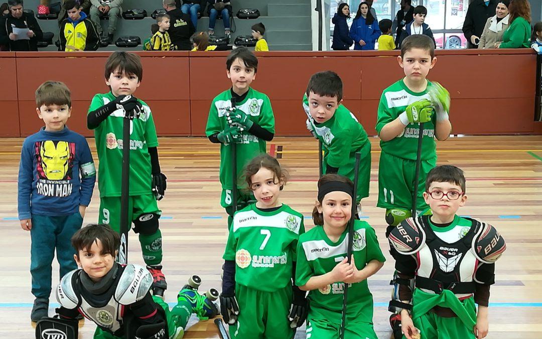 """Bambis do HCM """"deslizaram"""" no Torneio de Mini-Hóquei do Anadia FC"""
